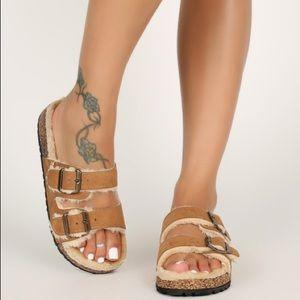 🔥New🔥 Double buckle Faux Fur Sandals- Tan